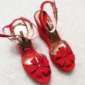 Marc Jacobs Red Suede Daisy Wedges SZ 9.5